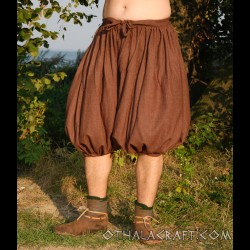 Short Rus Viking trousers from dark brown wool