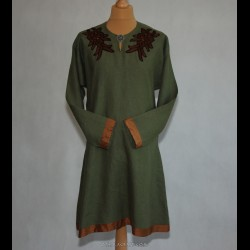 Linen tunic decorated with embroidery from Arhus
