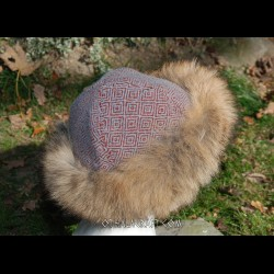 Hat – red & gray diamond wool