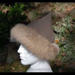 Woolen hat with fur