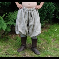 Short Viking trousers from natural linen