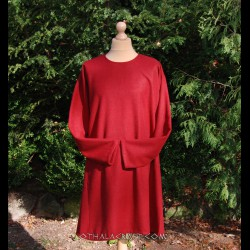 Simple woolen tunic - dark red